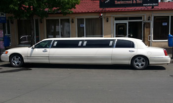 Lincoln Limo rental in Bucharest Romania